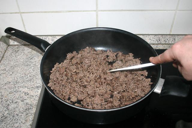05 - Brown mincemeat crumbly / Hackfleisch krümelig scharf anbraten