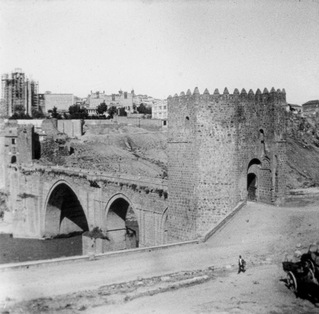 Puente de San Martín en los años 20. Fotografía de Daniel Dufol Álvarez