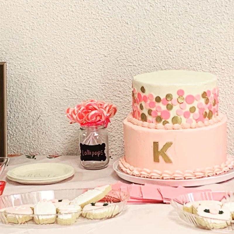 Cake by Lynn's Creative Cakes.