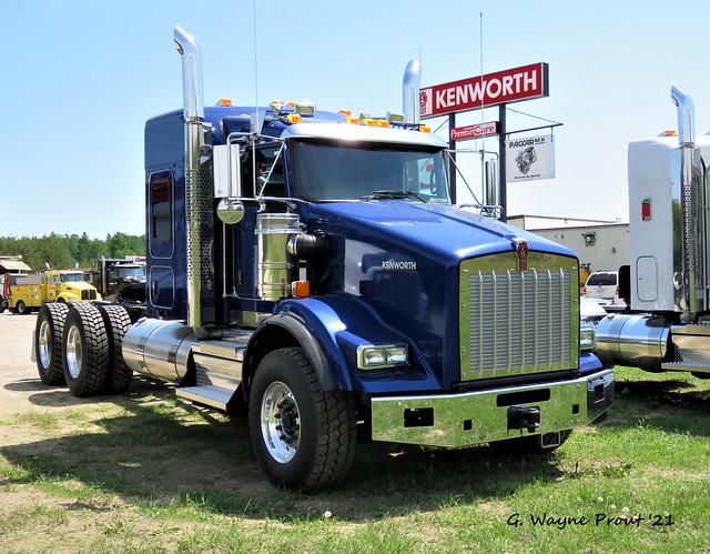 2022 Kenworth T800 Conventional Sleeper Truck