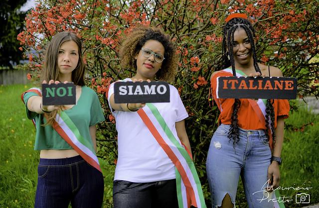 Noi siamo italiane - We are Italian