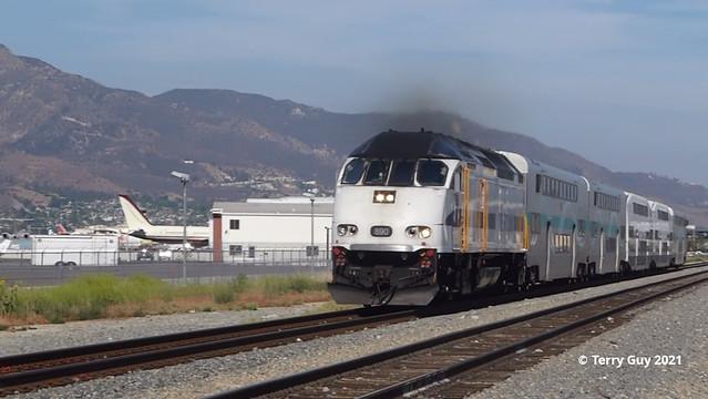 Train 163 - Metrolink 890