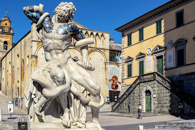 Pietrasanta_Opera_di_Fabio_Viale