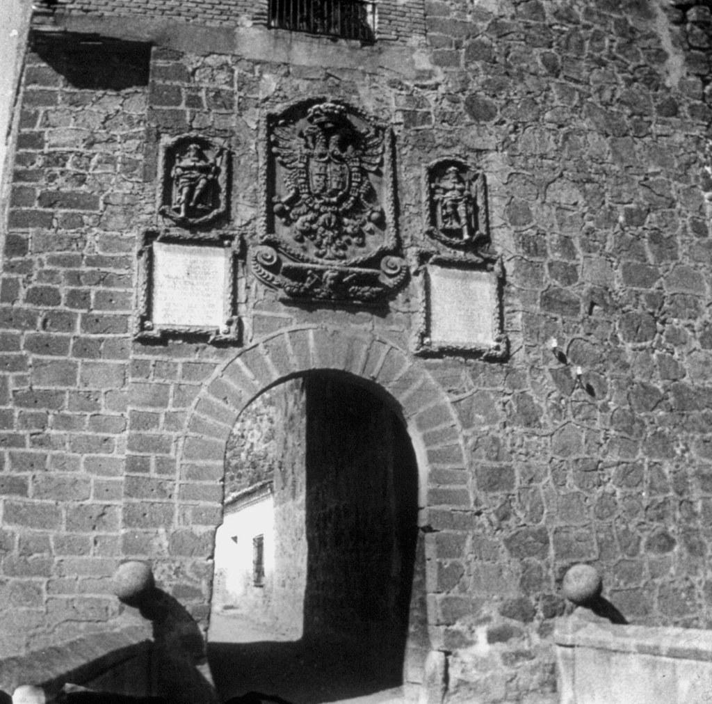 Puente de San Martín en los años 20, fotografía de Daniel Dufol Álvarez