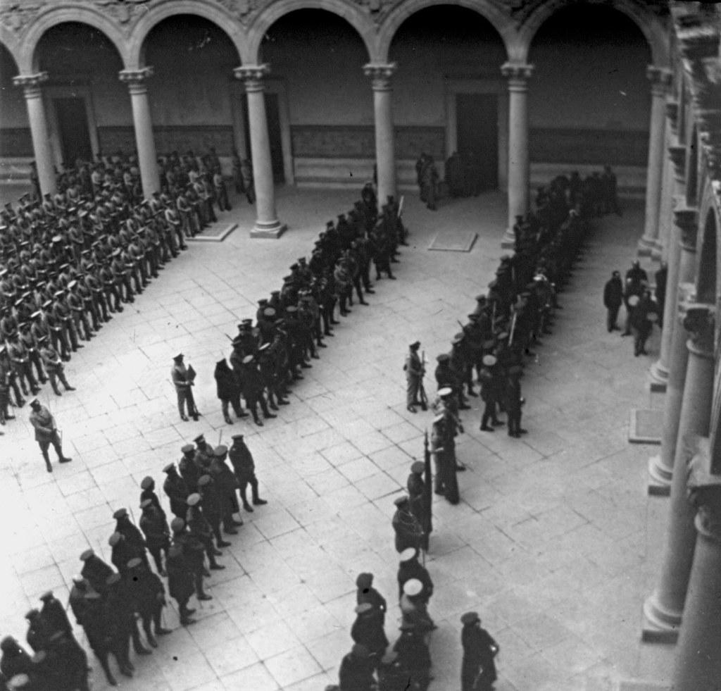 1925: Fiesta del 25 aniversario de la 7ª promoción de infantería. Fotografía de Daniel Dufol Álvarez