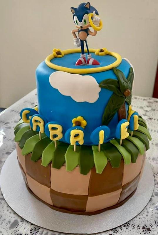 Cake by Pretty Cake