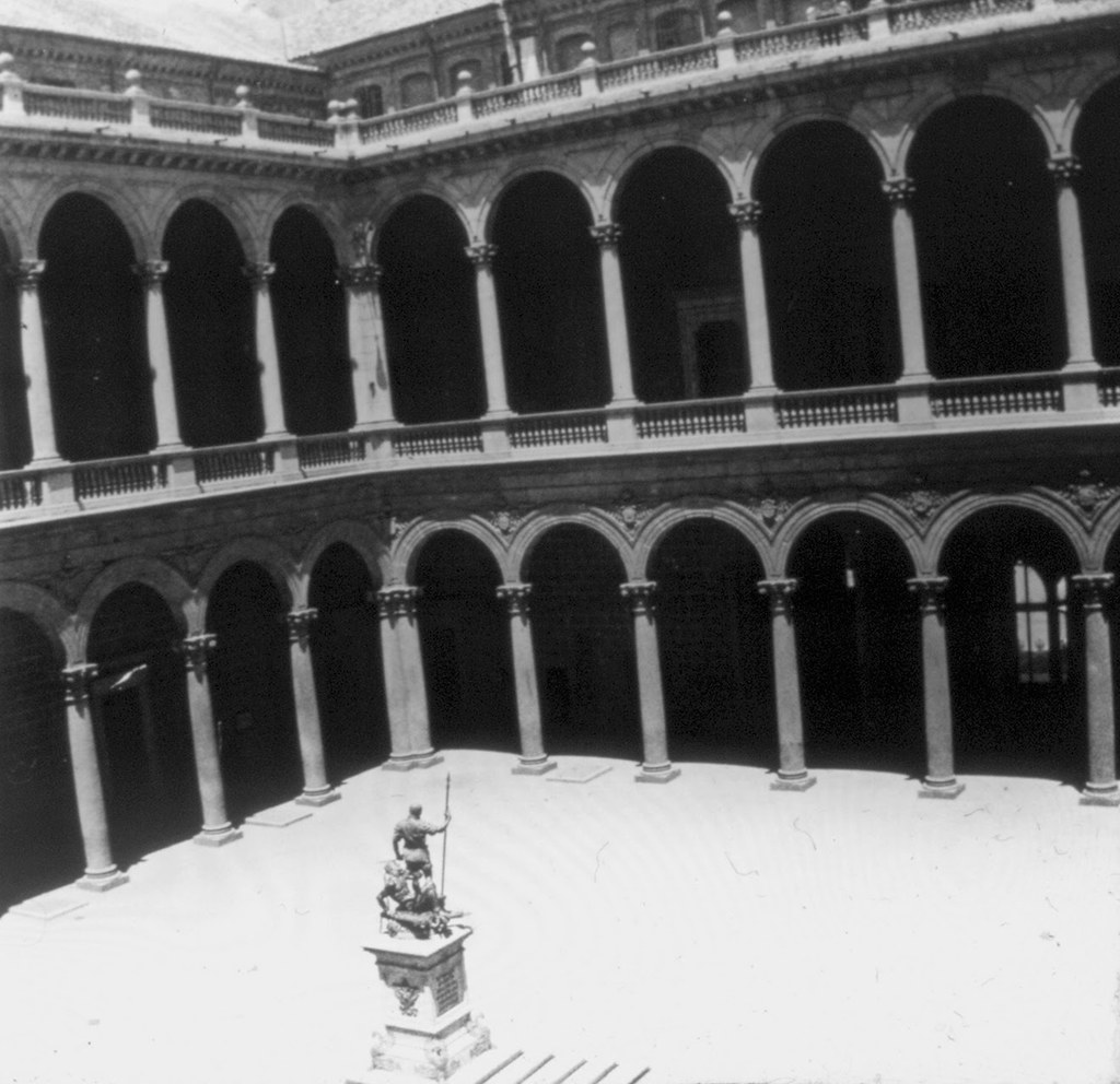 Patio del Alcazar en los años 20. Fotografía de Daniel Dufol Álvarez