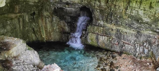 Grotta dello Schievo, Parco nazionale d Abruzzo