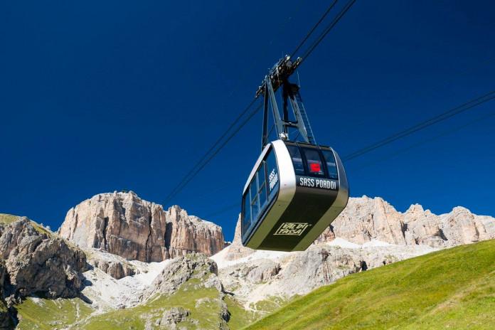 Sass Pordoi: lanovka na střechu Dolomit