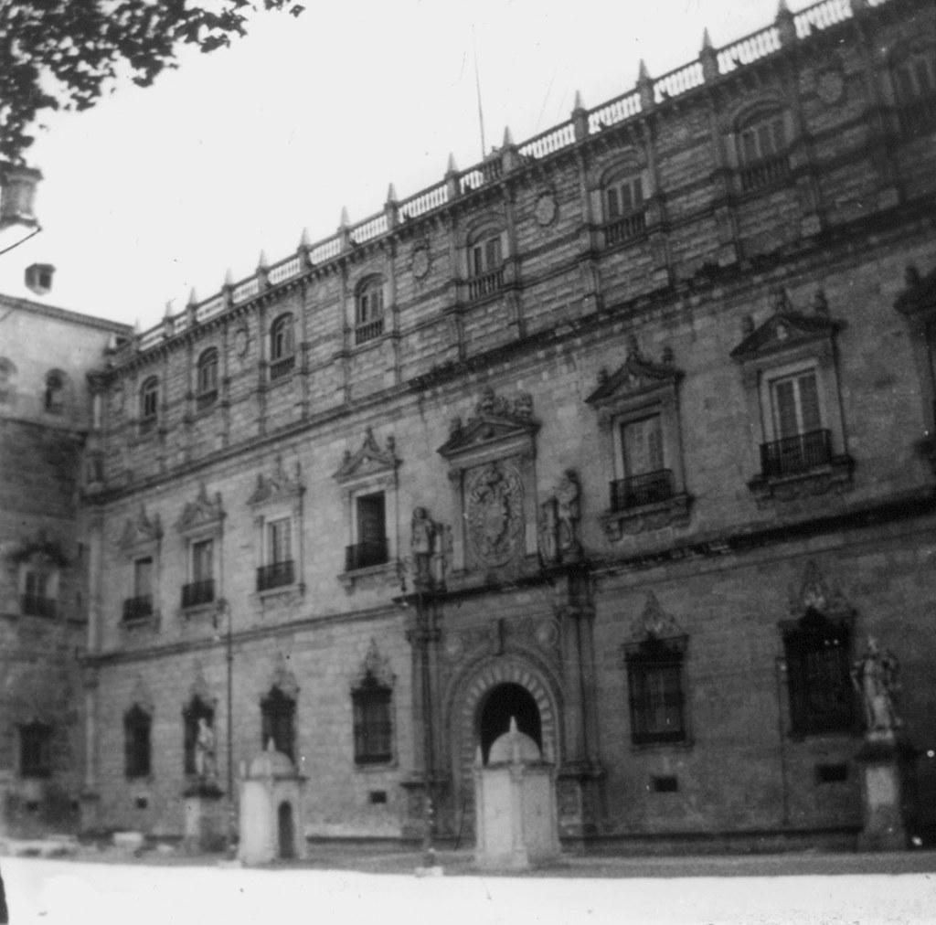 Fachada Principal del Alcázar en los años 20, fotografía de Daniel Dufol Álvarez