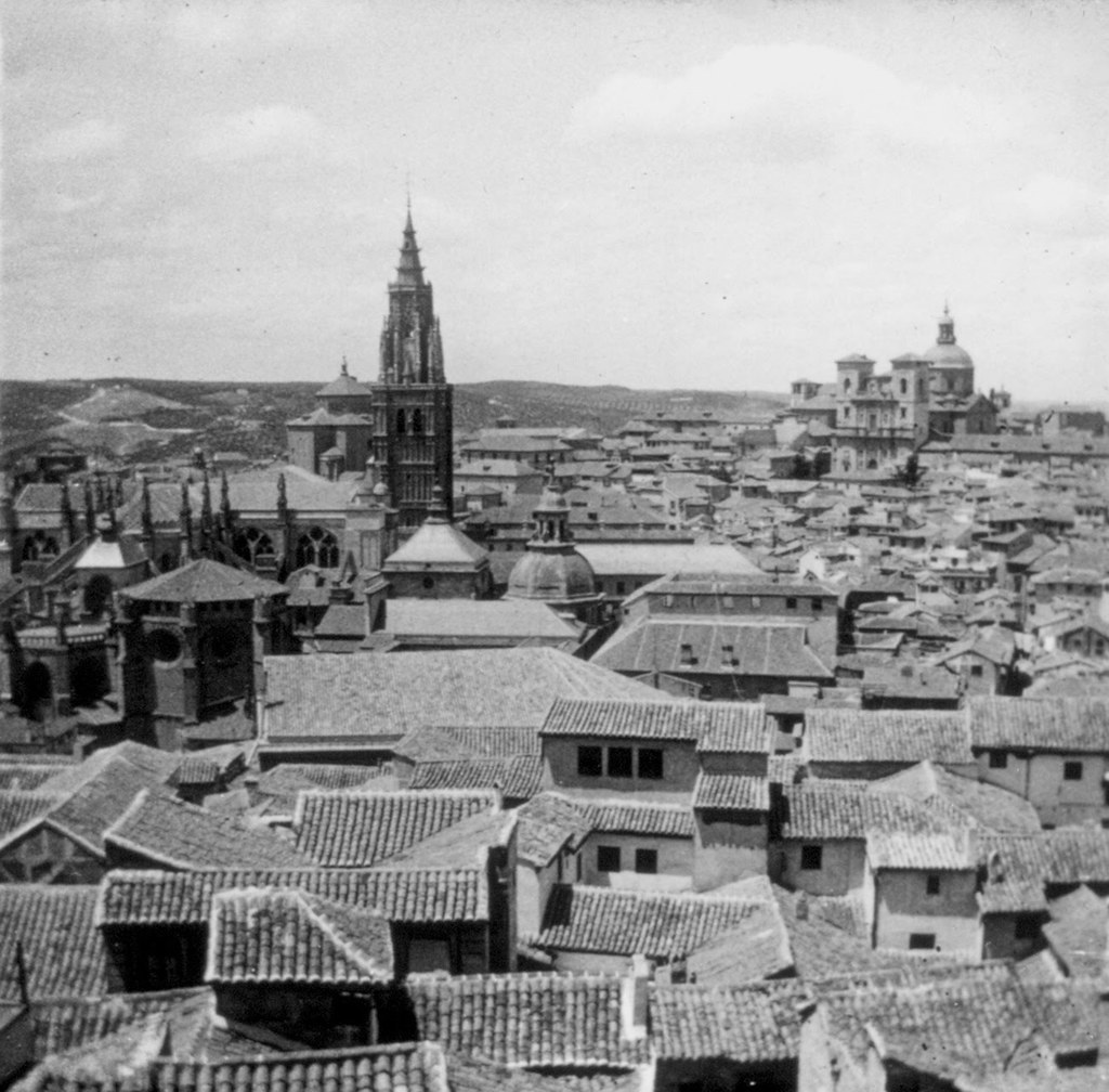 Toledo desde las ventanas del Alcázar en los años 20, fotografía de Daniel Dufol Álvarez