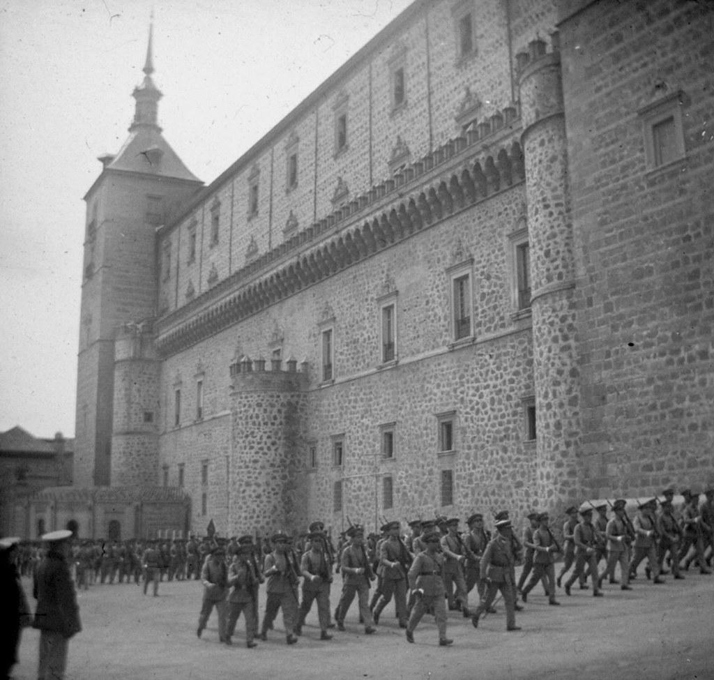 1925: 25 aniversario de la 7ª promociónde Infantería. Fotografía de Daniel Dufol Álvarez
