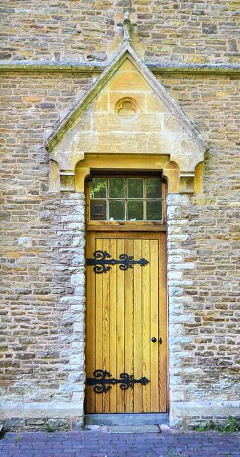 Door Q