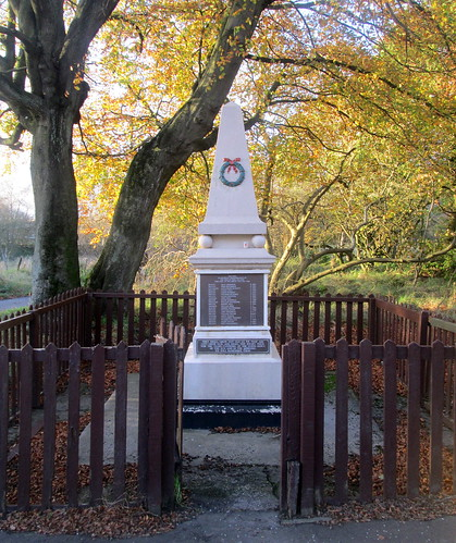 Lassodie War Memorial 2