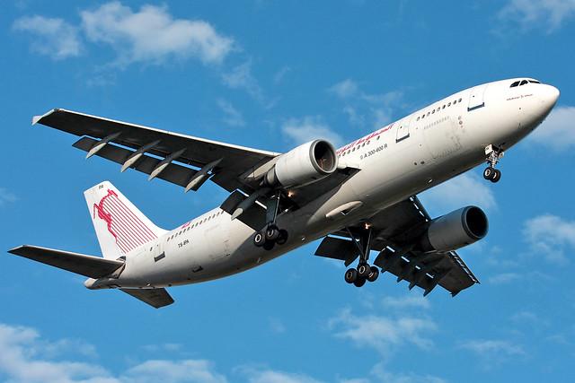 TS-IPA   tunisair   Airbus A300B4-605R   Paris Orly (ORY / LFPO)