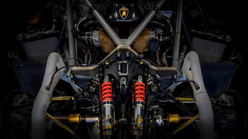 2021-Lamborghini-Essenza-SCV12-2