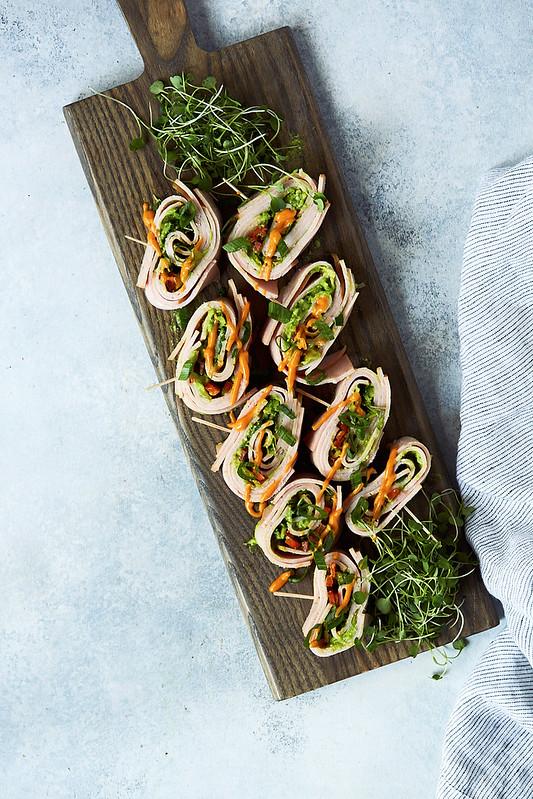 Turkey Avocado Pinwheels // Deli Meat Roll-ups
