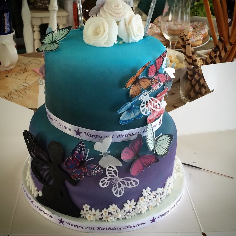 Cake by Kate Bakes