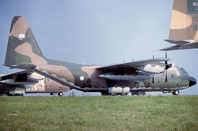 800px-Lockheed_C-130H_Hercules_(L-382),_Argentina_-_Air_Force_AN1768665