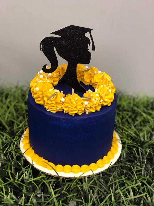 Graduation Cake by Dulce Delicia LLC