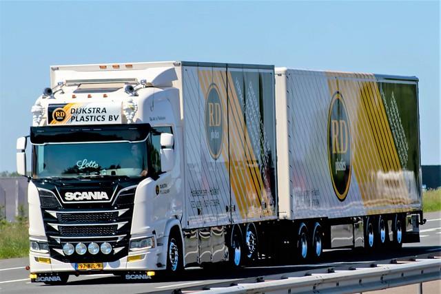 Scania R-series highline nextgen drawbar LZV, from Dijkstra plastics, Holland.