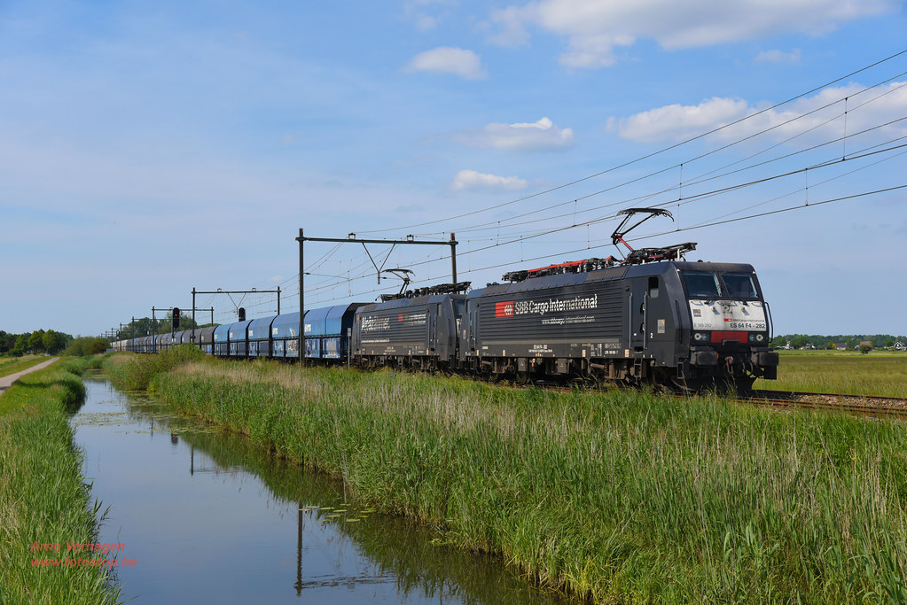 2021   NIAG 189 282 en 189 284 te Schalkwijk by Arno Verhagen