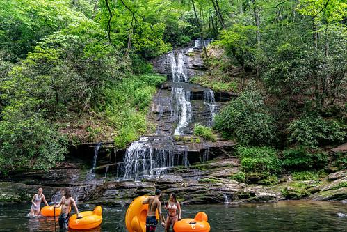 tombranchfalls usa landscape 2021 nature northcarolina unitedstatesofamerica greatsmokymountainsnationalpark unitedstates may brysoncity waterfall