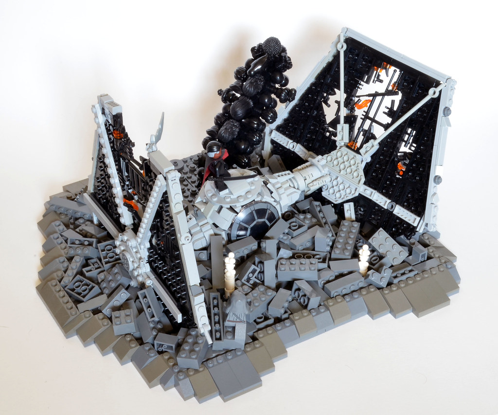 Moff Gideon's Crashed TIE Fighter back