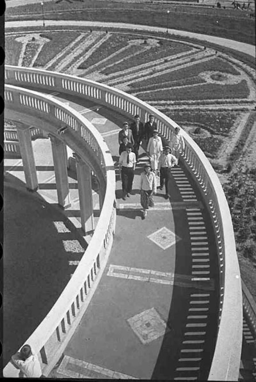 1938. Виадук Северного (Химкинского) речного вокзала. Канал Москва-Волга