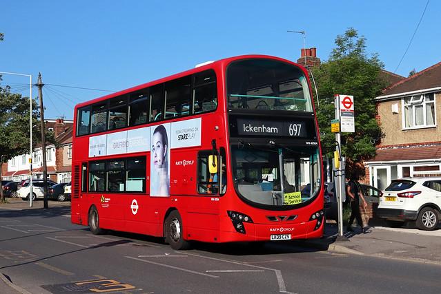 Route 697, London United, WN40904, LK09CZS