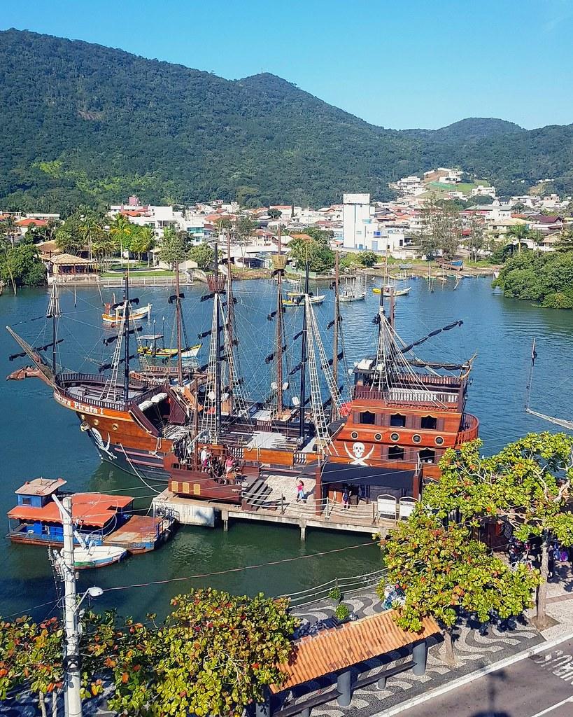 Navio Pirata em Balneário Camboriú,  SC, Brasil