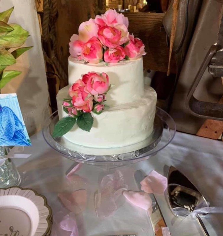 Cake by Bre's Sweet Confections