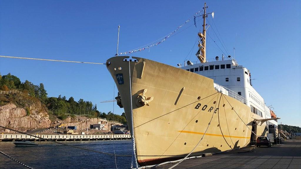 Bore_laiva_hostelli