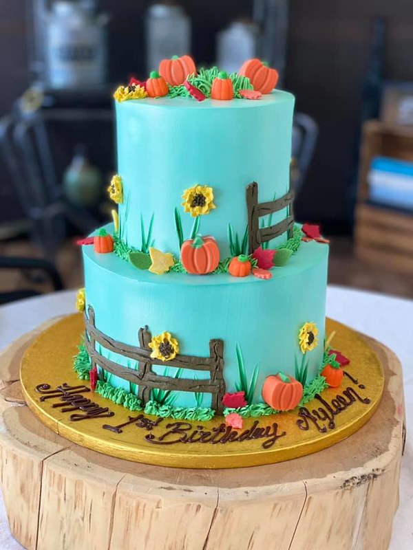 Cake by Claudia's Cakes