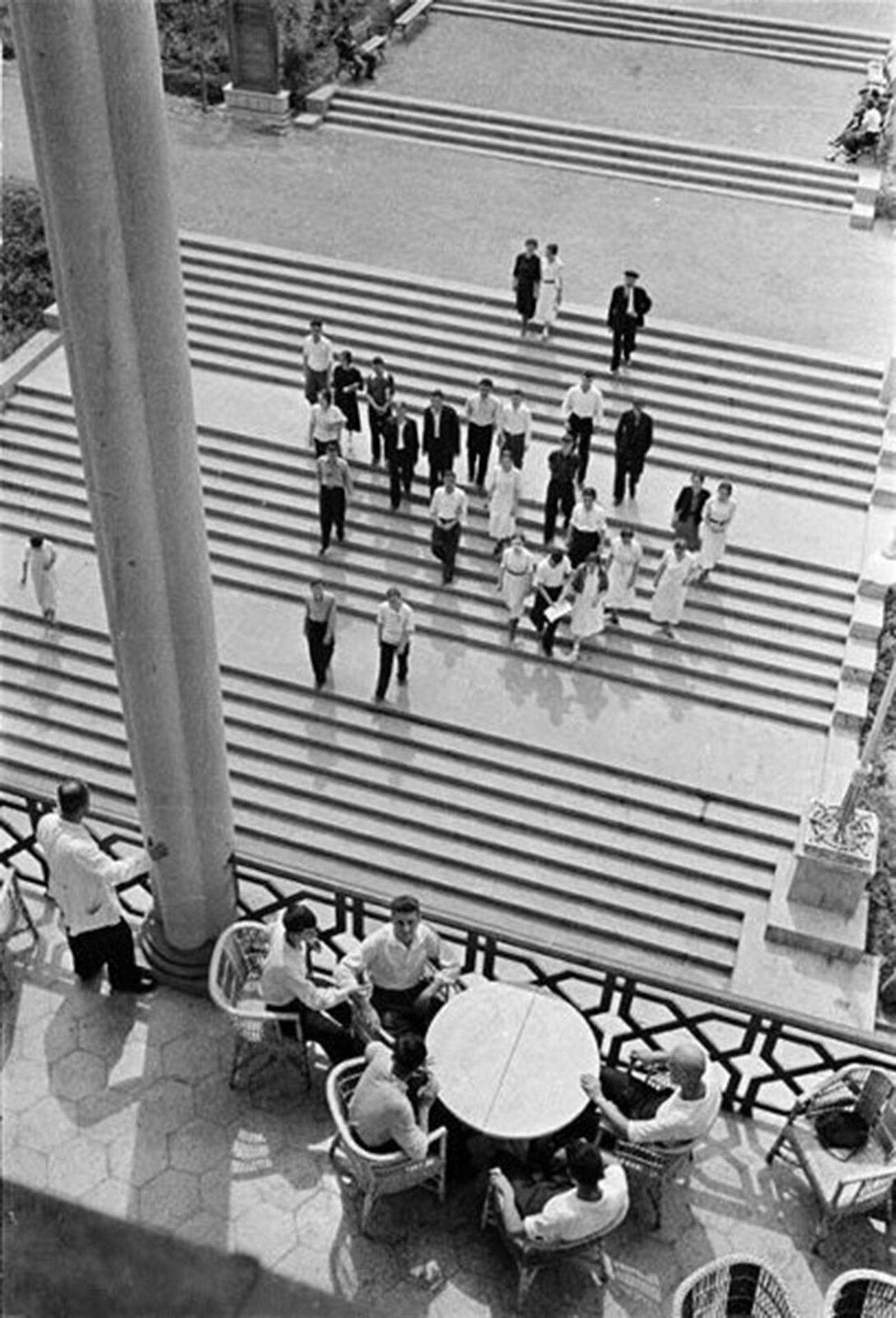 1939. Лестница