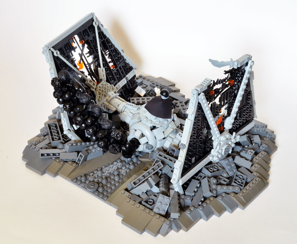 Moff Gideon's Crashed TIE Fighter front