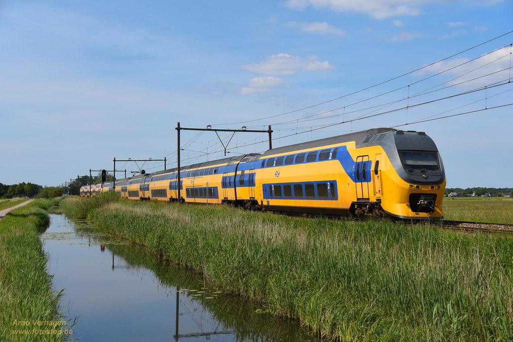 2021 | NS VIRM 8719 en 9426 te Schalkwijk by Arno Verhagen
