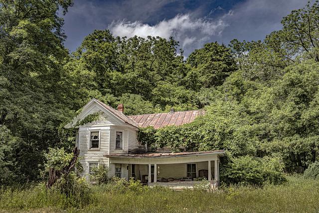 Abandoned Farmhouse on US 219 (Explored)