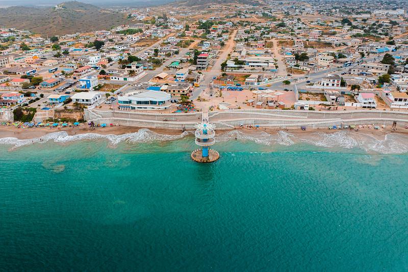 Malecón y playa de Ballenita  - Santa Elena