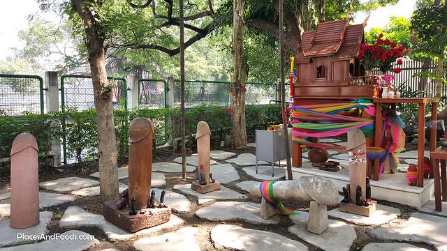 Bangkok Penis Shrine Chao Mae Tuptim Nai Lert