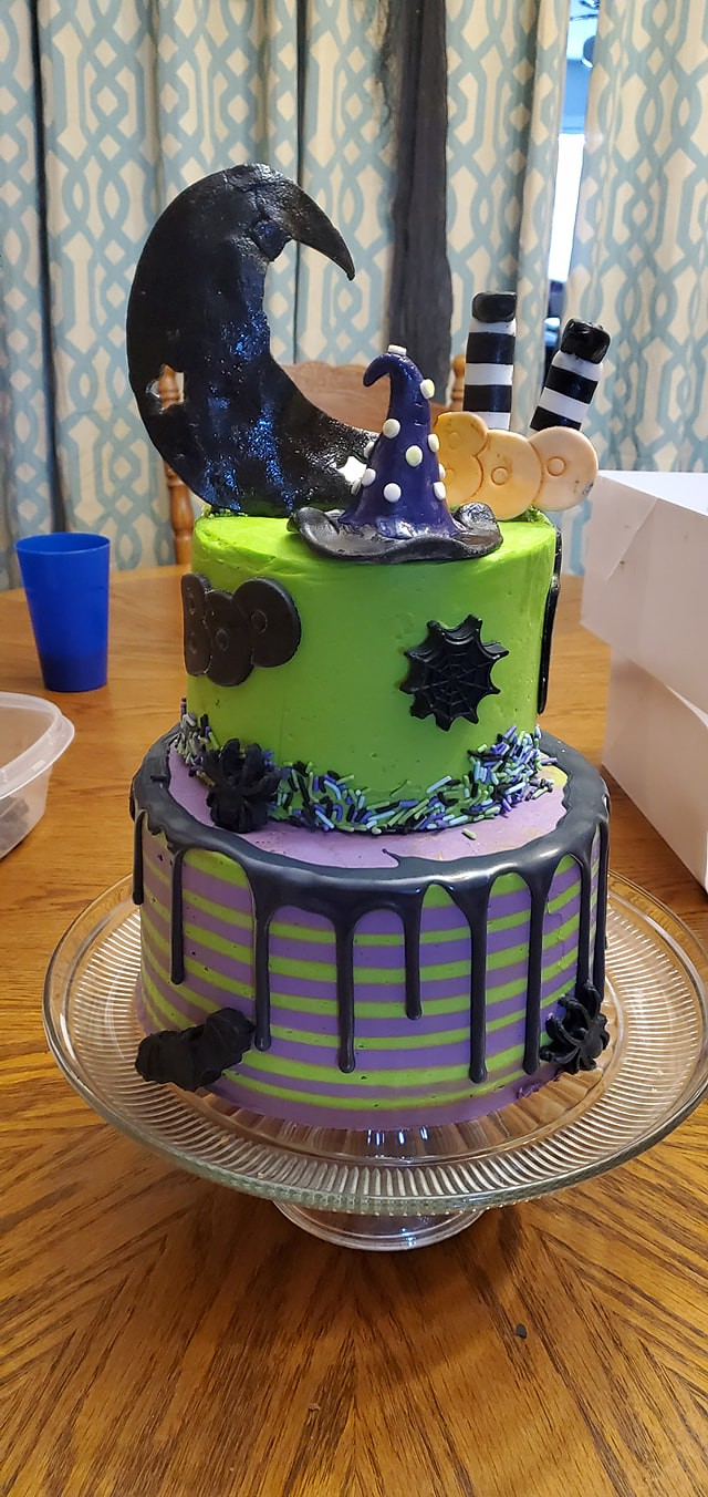 Cake by Samie's Sweets