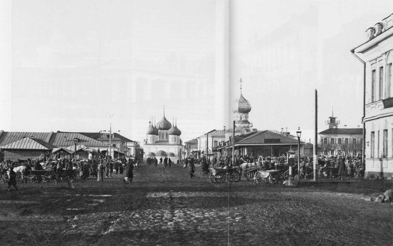 Торговая площадь, Воскресенская улица