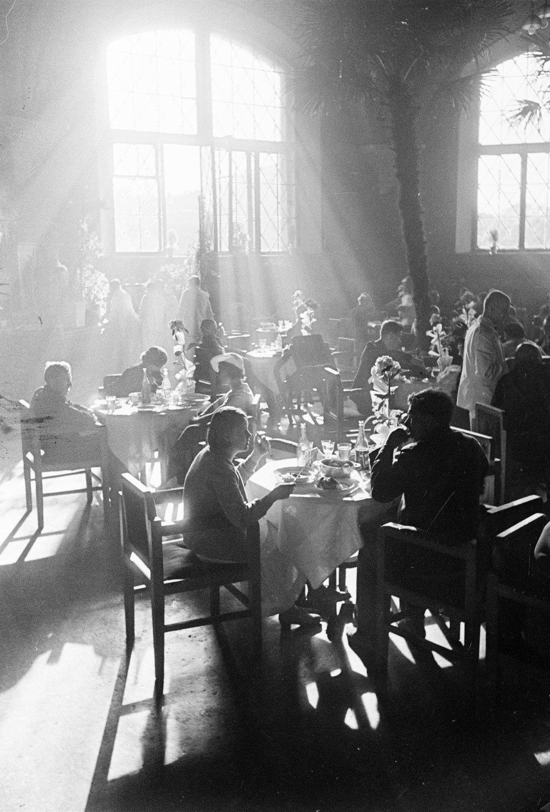 1937. Рабочее кафе. Лучи (Ресторан Казанского вокзала)