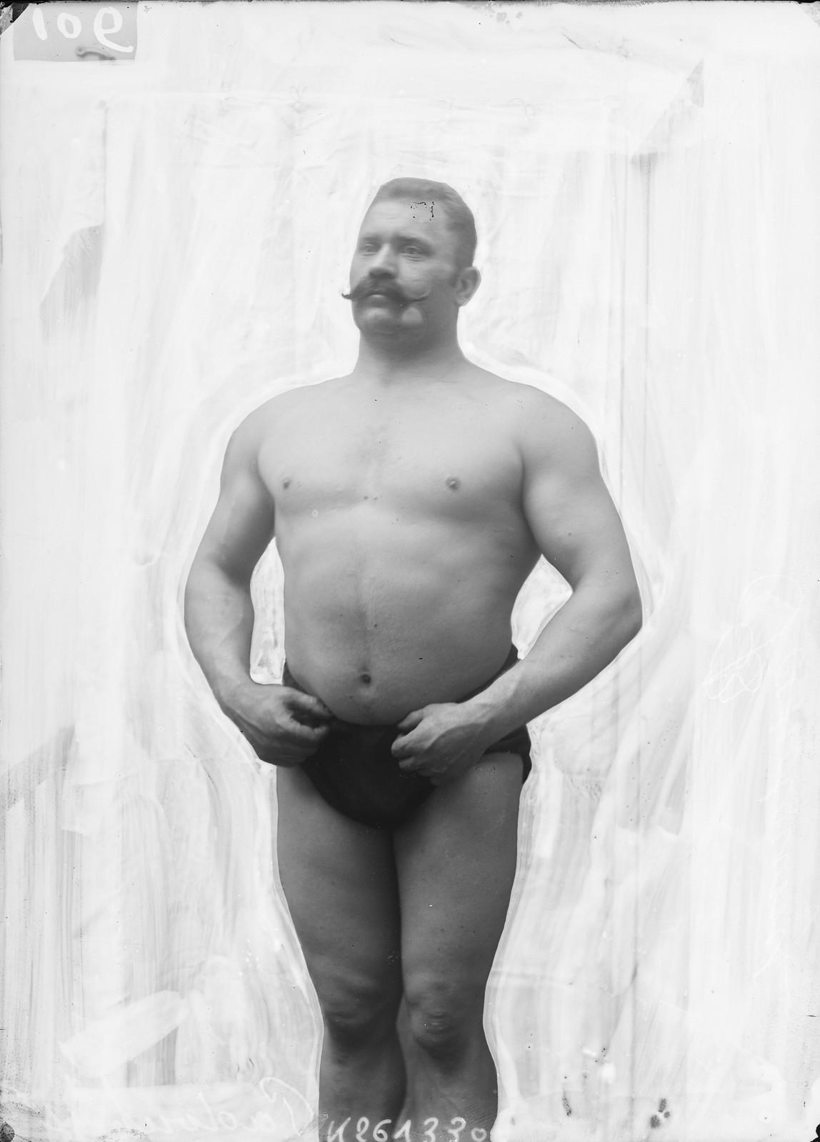 1905. Иван Максимович Поддубный