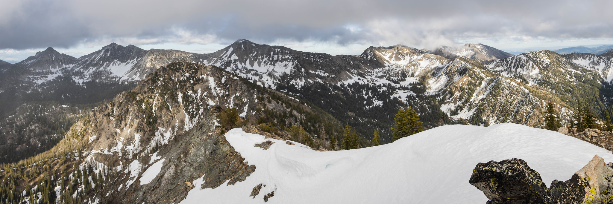 Sawtooth Ridge view on Old Maid Mountain