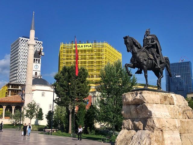 Plaza Skanderbeg (Tirana)