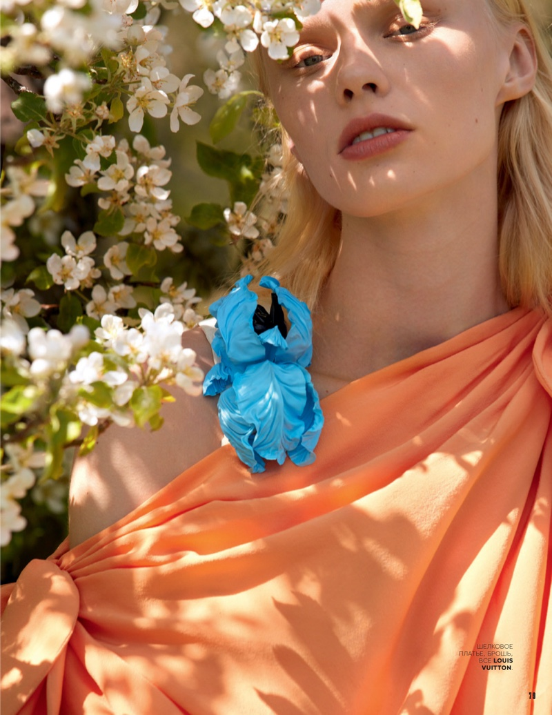 Vilma-Sjoberg-Vogue-Russia-Cover-Photoshoot03