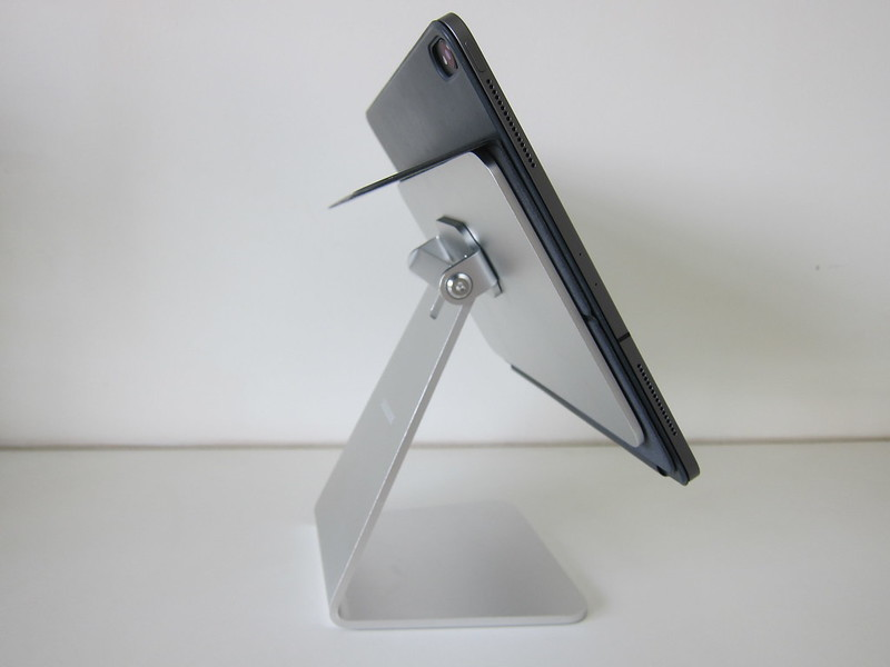Lululook Magnetic iPad Stand - With iPad Pro 12.9 And Smart Folio - Folded