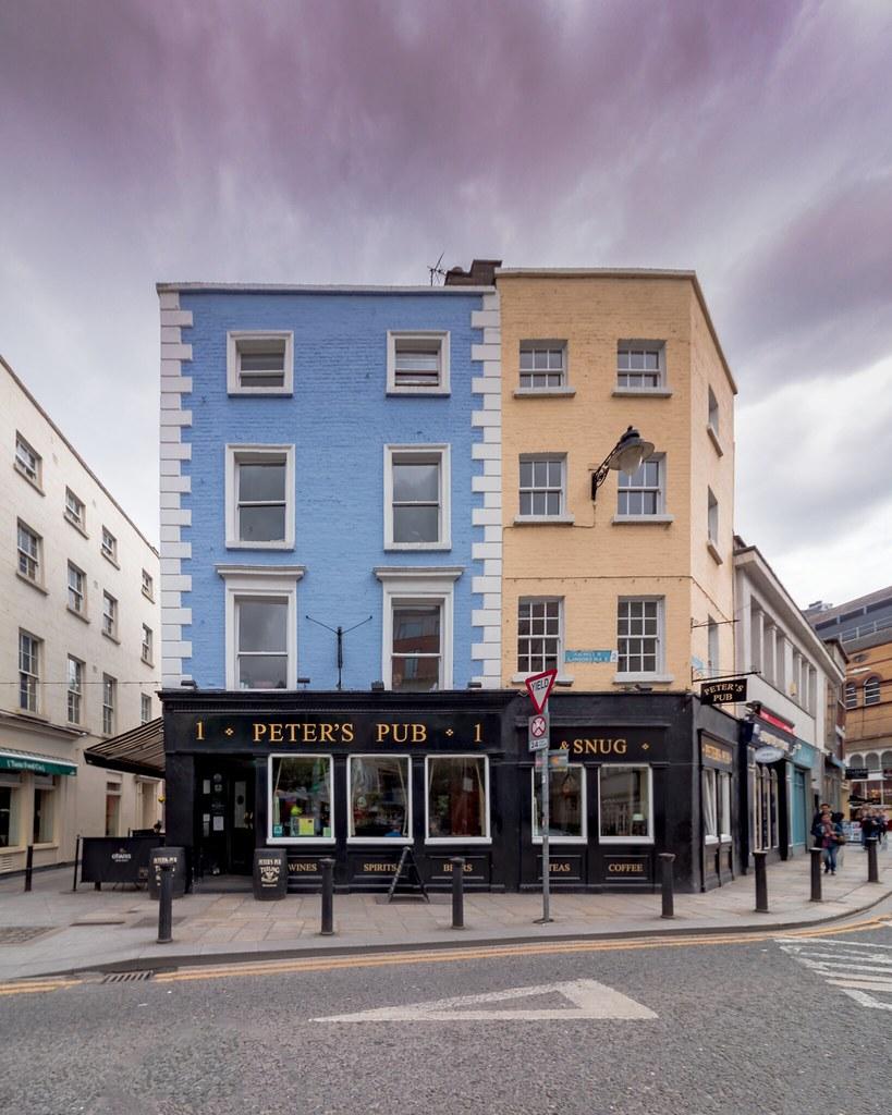 Peter's Pub: Johnson Place