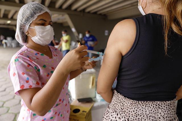 09.06.21 - Vacinação no Sambódromo contra Covid-19